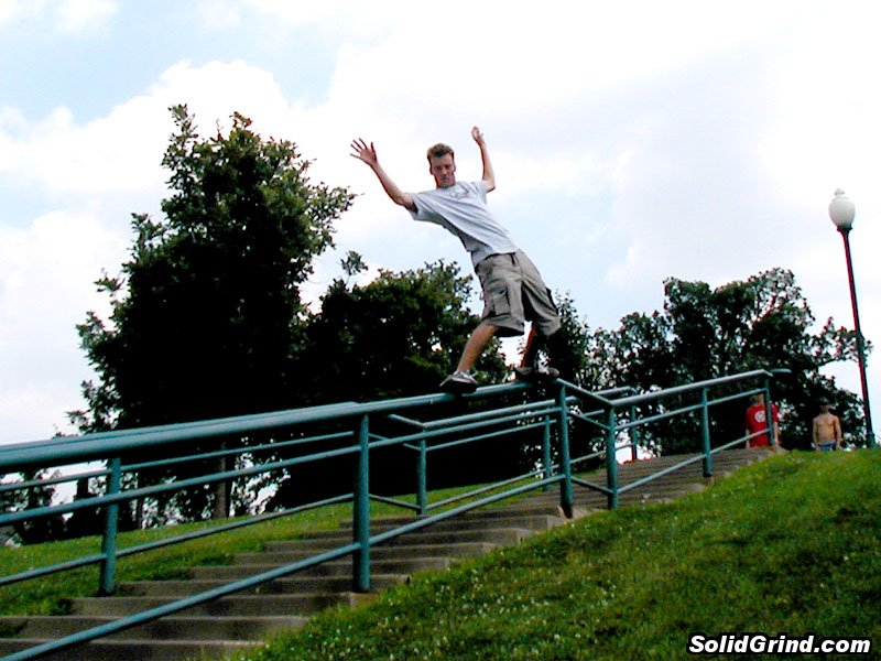 Bryndon Smith hittin a Frontside the Iowa City Kink