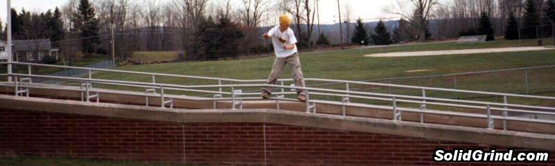 Aaron Stunkard hittin a Long Handrail